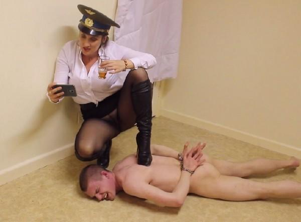 Mistress Vexxa - Under Her Boot (2017/Clips4sale/1080p)