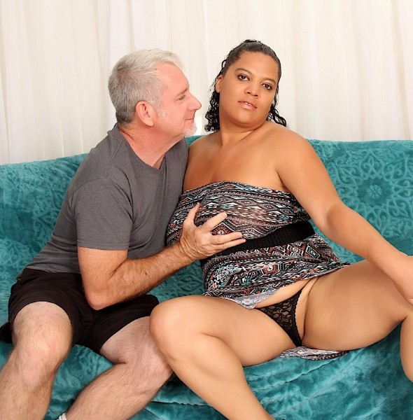 Lady Spice - Chubby Lady Takes a Dick (2017/JeffsModels/1080p)