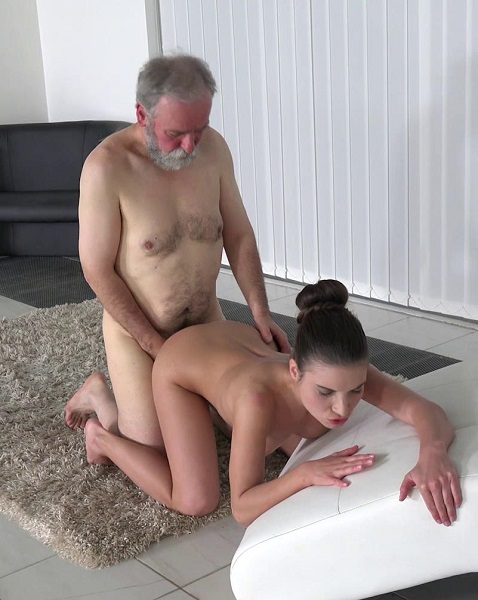 Anita Bellini - Old man cums into a fresh mouth (2017/Old-n-Young/TeenMegaWorld/1080p)