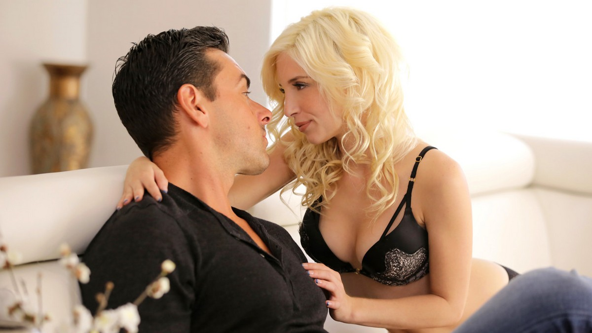 Piper Perri - Signs Of Attraction (NubileFilms/NubilesNetwork)