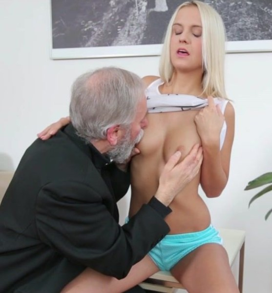 Joleyna Burst - Old man seduces blonde maid into serving his old dick (2017/OldGoesYoung/HD)