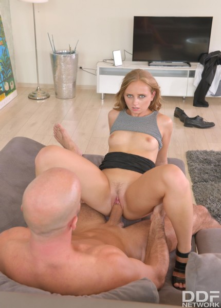 Lady Bug - Sweet, Young and Always Horny (2017/HandsonHardcore/DDFNetwork/1080p)
