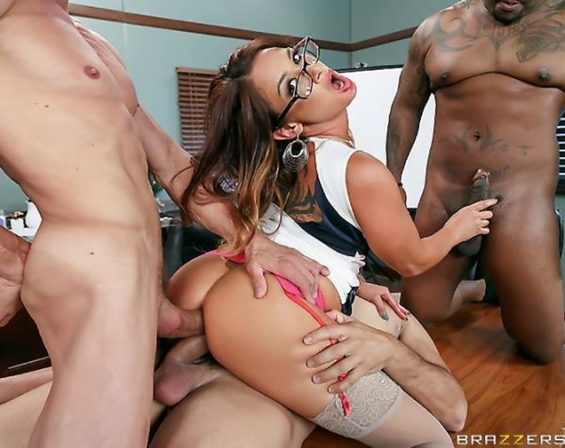 Tory Lane - Im Your Christmas Bonus (BigTitsAtWork/BraZZers)
