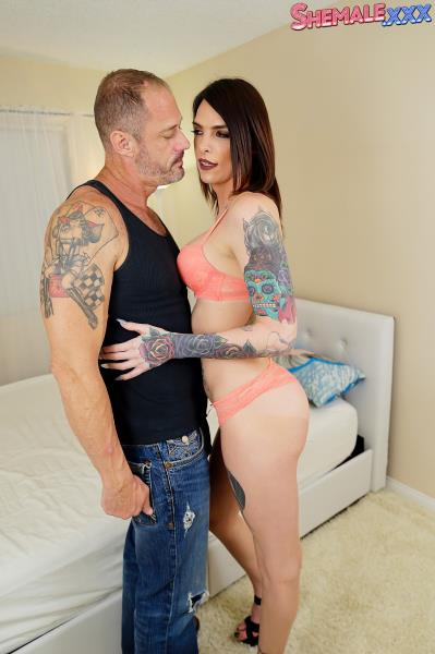 Chelsea Marie - Chelsea Marie and D Arclyte Fuck Hard (2017/Shemale.xxx/SD)