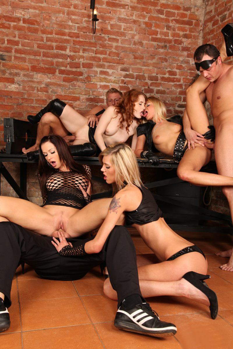 Stacy Silver, Sindy Vega, Barra Brass, Denisa Heaven - 5 Incredible Orgies 2, Scene 1 (DogHouseDigital)
