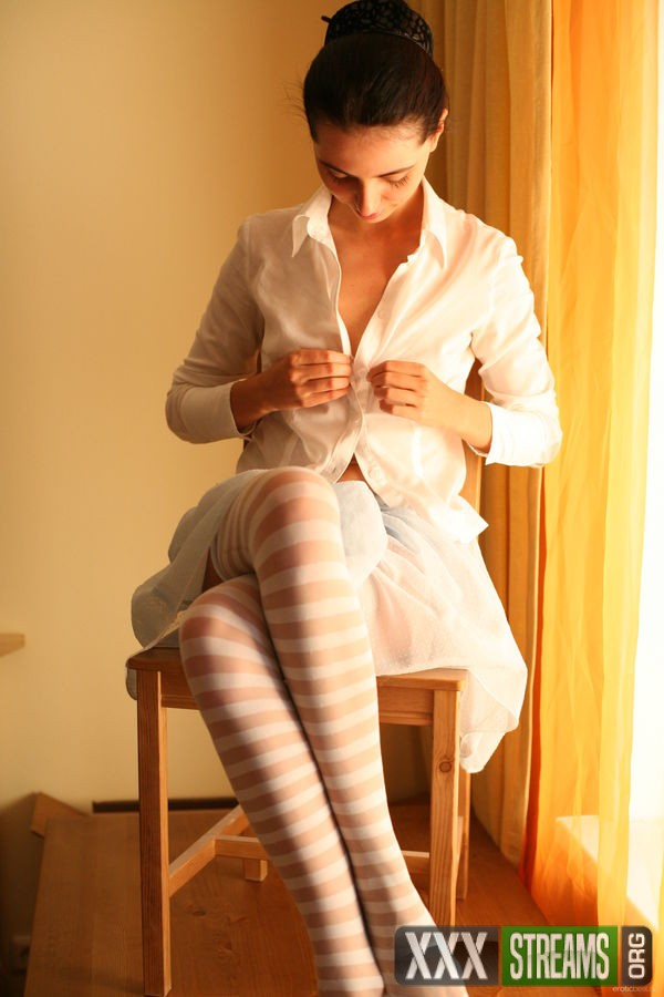 EB_Stockings_Alisa-B_high_0001.jpg