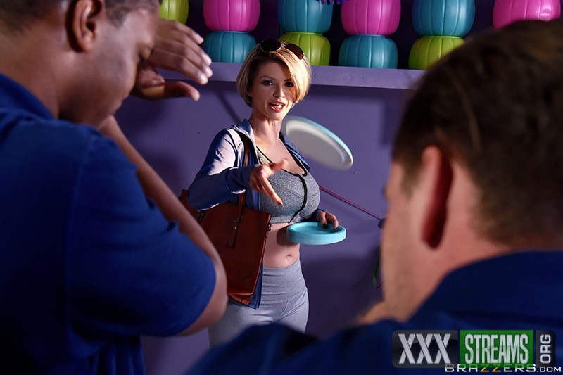 Joslyn James - Let Me Fuck Your Manager (2017/MilfsLikeItBig/Brazzers/HD)