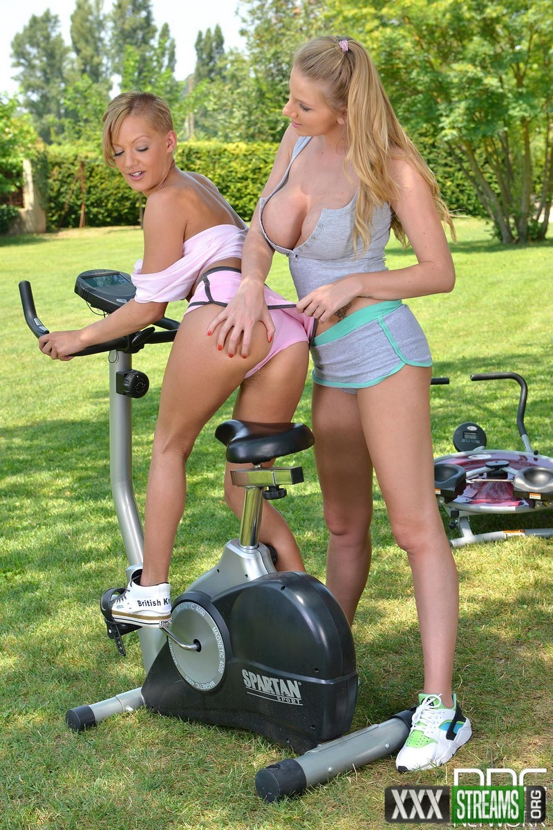 Danielle Maye, Loulou Petite - Pussy Work Out - Babes Take A Pussy Eating Gym Break (DDFNetwork)