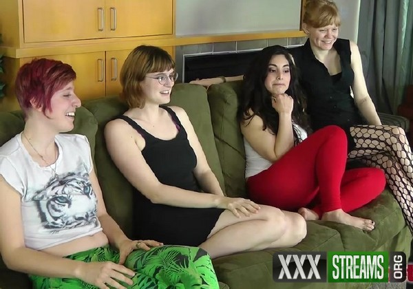 Amateur - Strip Frenzy with Aurora Georgia Catalina and Julie (2017/LostBetsGames/HD)