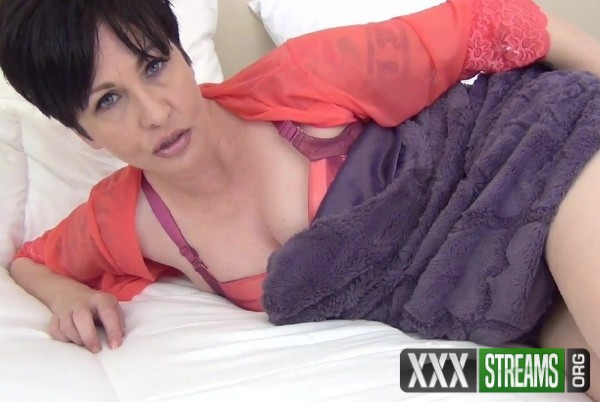 Mrs Mischief - Sick Mommy (2017/Clips4Sale/ManyVids/HD)