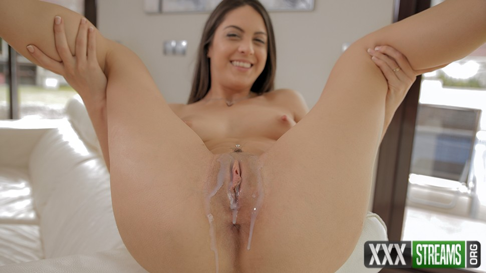 Carolina Abril - Pool Guy Fucking (18YearsOld/PornPros)