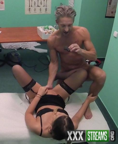 Selvaggia - Cute pigtailed cleaner sucks cock (FakeHospital/FakeHub/2017/SD)
