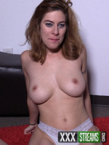 Alessa Snow - Big Tit Alessa Swallows His Cum (2017/SelfieSuck/1080p)