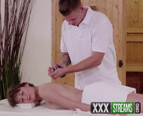 Meggie Marika - Highly erotic fuck show on the massage table with hot Euro babe (2017/Relaxxxed/PornDoePremium/HD)