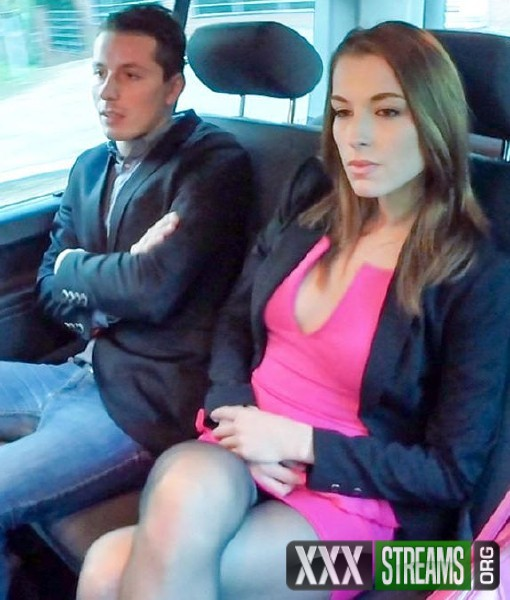 Victoria Daniels - Horny Czech beauty Victoria Daniels enjoys intense backseat sex with driver (2017/FuckedInTraffic/PorndoePremium/SD)