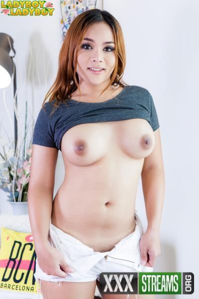Angie - Curvylicious Angie Jacks Her Cock (2017/ladyboy-ladyboy/1080p)