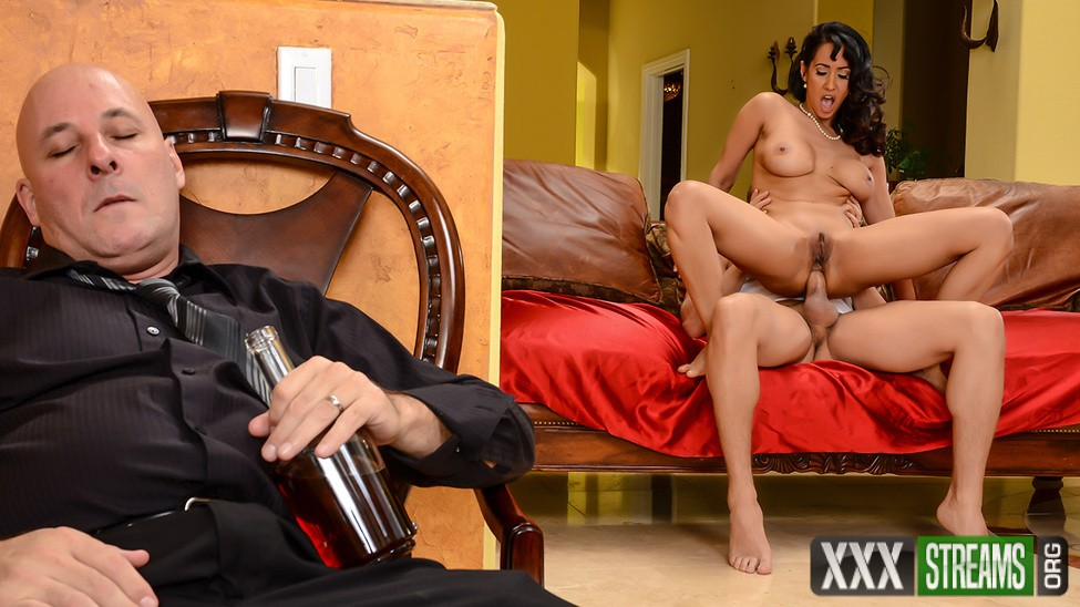Isis Love - The Marriage Counselor (RealWifeStories/Brazzers)