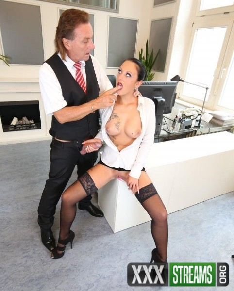 Kate Nox - Sexy tattooed German MILF secretary sucks and fucks boss in hot office fuck (2016/BumsBuero/PornDoePremium/1080p)