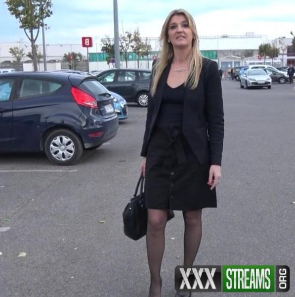 Anais - Anais, 35ans, coquine bourgeoise (2017/JacquieEtMichelTV.net/SD)