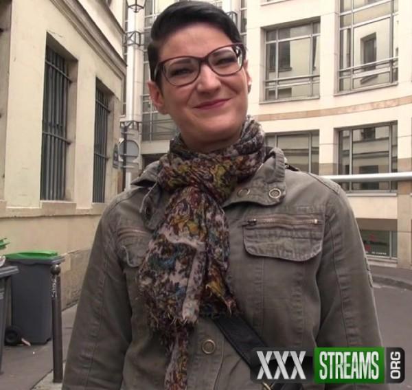 Sue - Sue, 27ans, assistante juridique (2017/JacquieEtMichelTV.net/1080p)