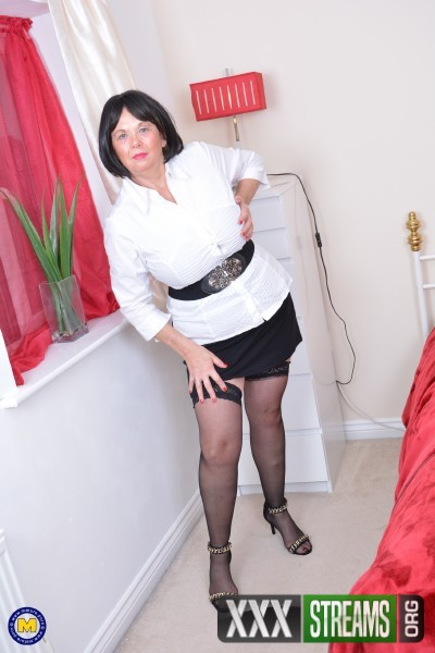 Lady Jane EU 63 - British curvy lady Jane playing with herself (2017/Mature.nl/1080p)