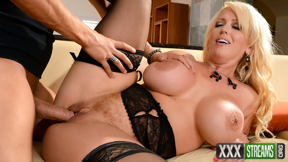 Alura Jenson - My Mother In Law Likes it Raw (MommyGotBoobs/Brazzers)