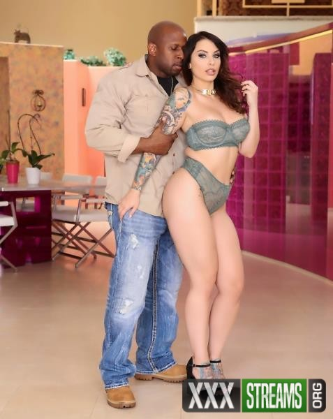 Ivy LeBelle - Is Tempted By The Darkside. She Takes It In Her ASS! (JulesJordan/2017/1080p)