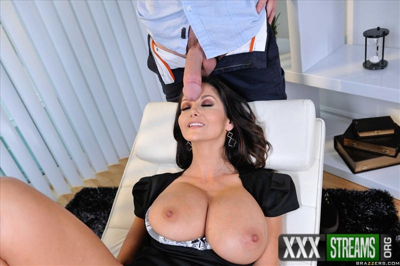 Ava Addams - Taught To Talk Dirty (BrazzersExxtra/Brazzers)