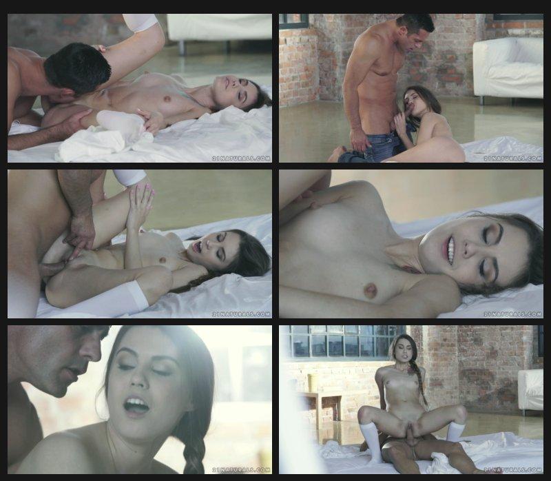 21naturals.17.11.26.elle.rose.natural.pleasures_cover.jpg