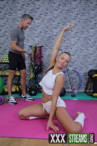 Morgan Rodriguez - Gym girl Pov blowjob and creampie (2017/FitnessRooms/HD)