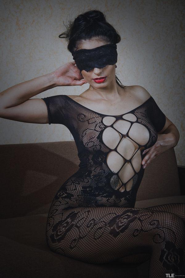 TheLifeErotic_Blind-Passion_Bella-Alexon_high_0001.jpg