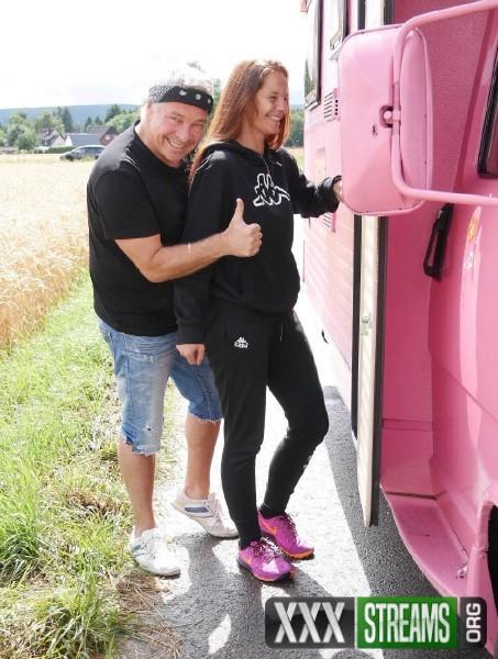 On Board The Pink Caravan (2017/MagmaFilm/1080p)