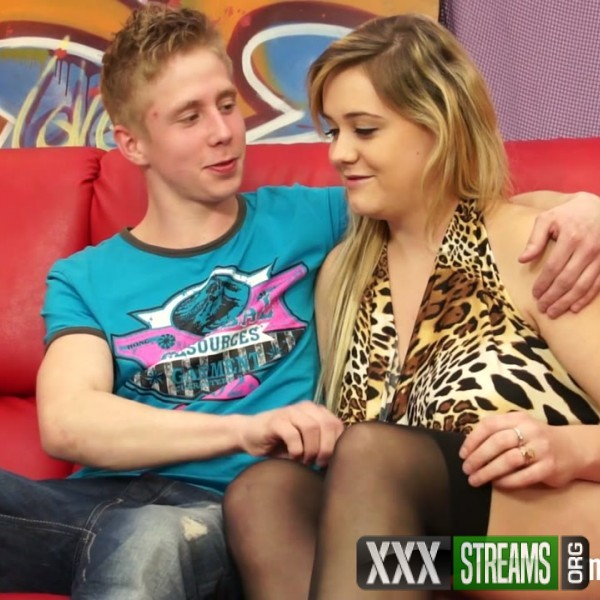 Amateurs - Sexy amateur couple fucking hard (2016/AmateursFromBohemia/PornCZ/HD)