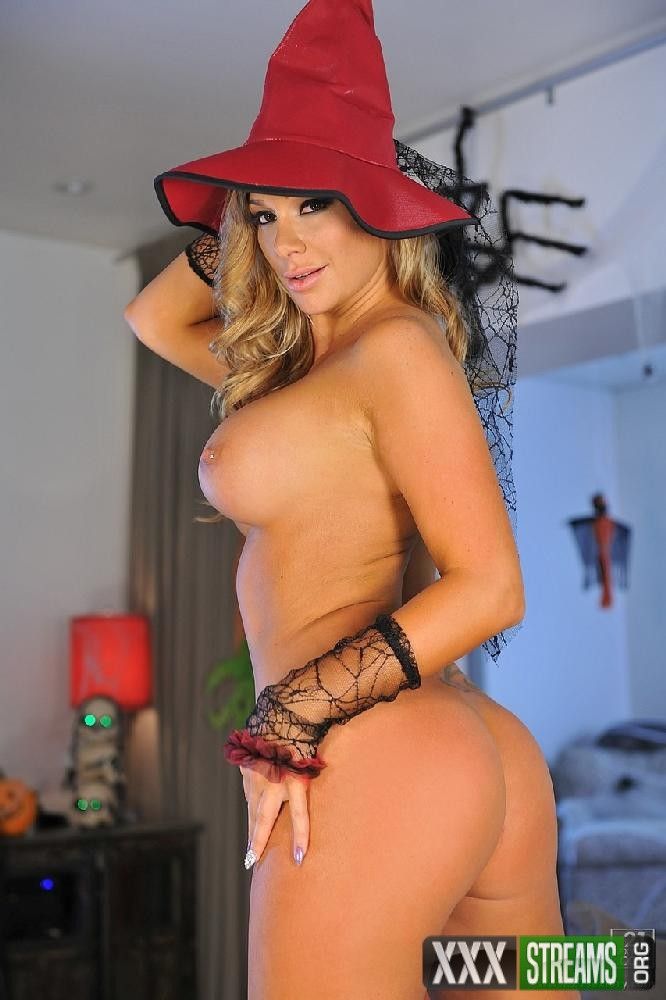 Destiny Dixon - The Sexy Witch of Halloween (ClubSandy/21Sextury)