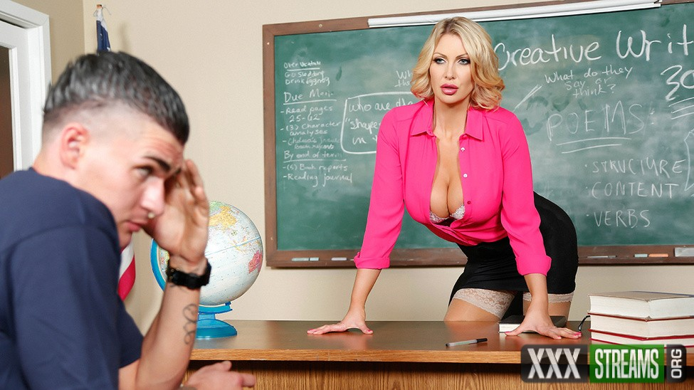 Leigh Darby - Teaching Miss Darby a Hard Lesson (BigTitsAtSchool/Brazzers)