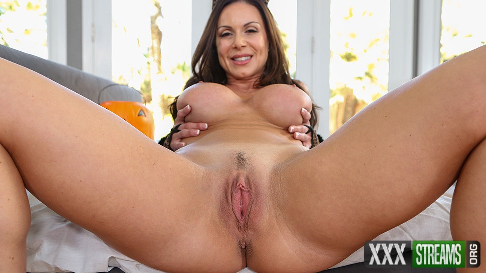 Kendra Lust - Make Her Purr (PureMature)