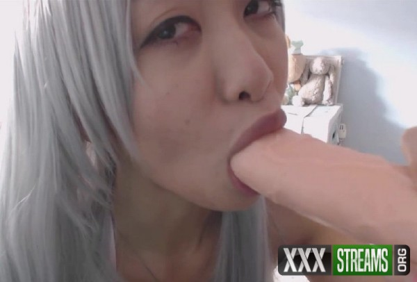 Miss Reina T - Silver Hair Cosplay Fuck (2017/ManyVids/HD)
