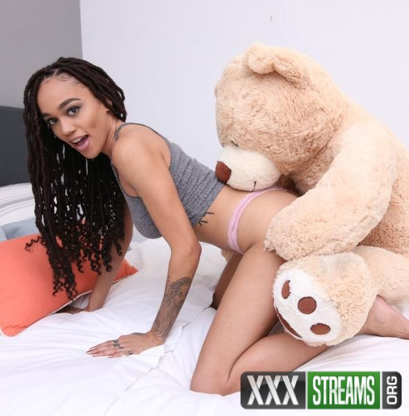 Julie Kay - Rides Her Step-fathers Giant Cock (BrownBunnies/BangBros/2018/SD)