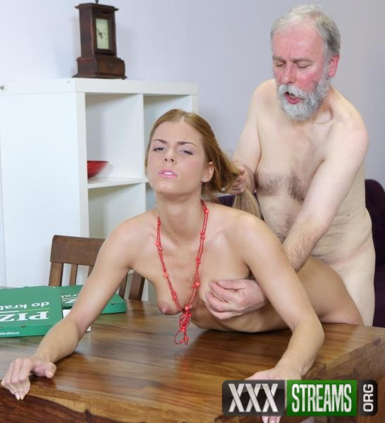 Chrissy Fox - Old man pays a hot delivery girl with sperm (Old-n-Young/TeenMegaWorld/2018/HD)