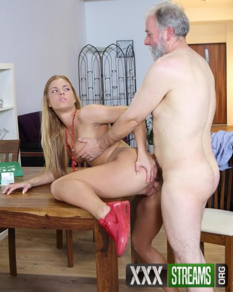 Chrissy Fox - Old man pays a hot delivery girl with sperm (Old-n-Young/TeenMegaWorld/2018/1080p)