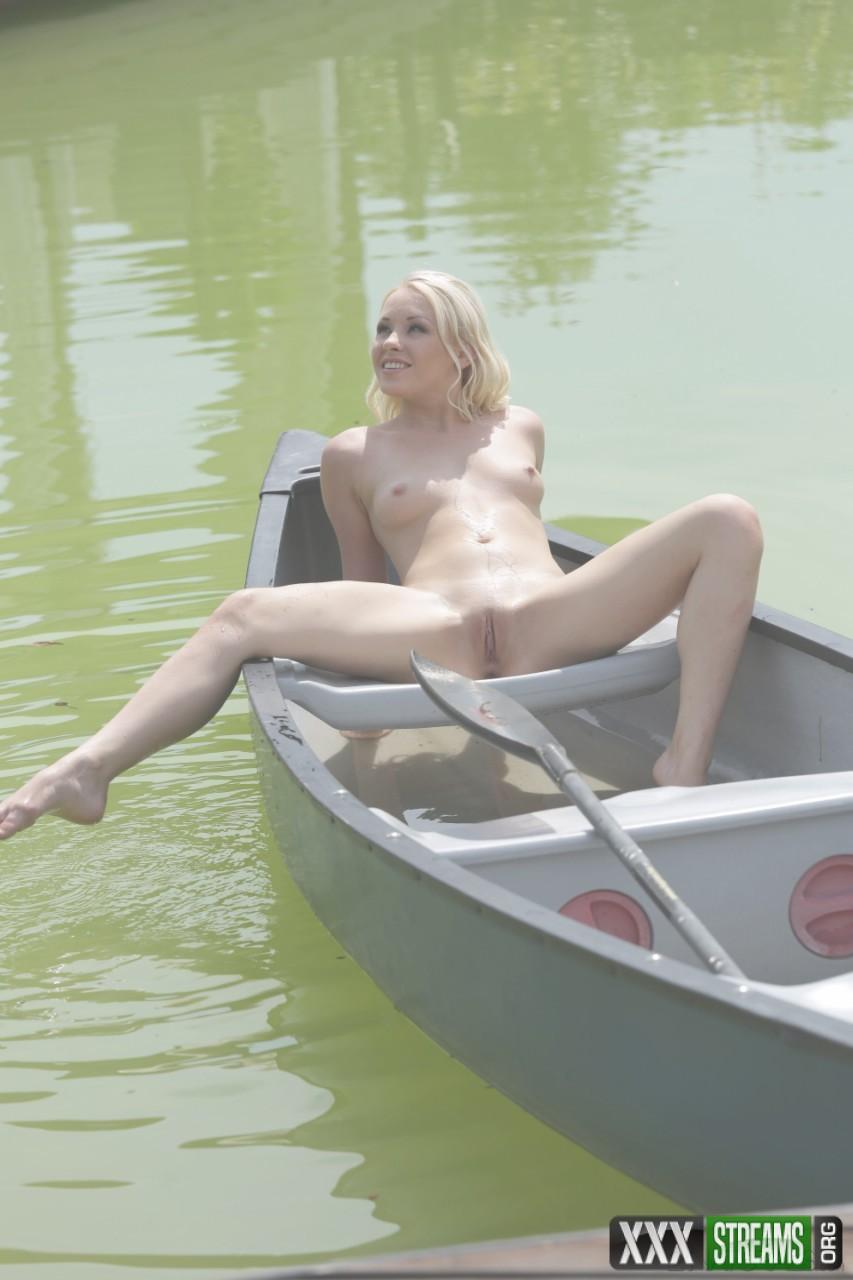 Lola Taylor - Lakeside Moments (21Naturals/21Sextury)