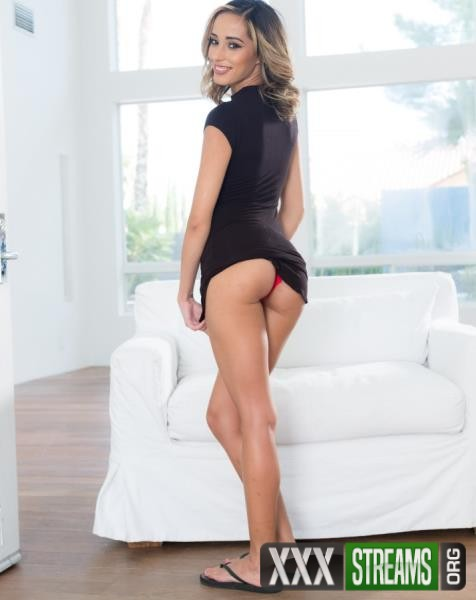 Averie Moore - Averie Moore Is The New Slut In The Neighborhood (BangConfessions/Bang/2018/1080p)