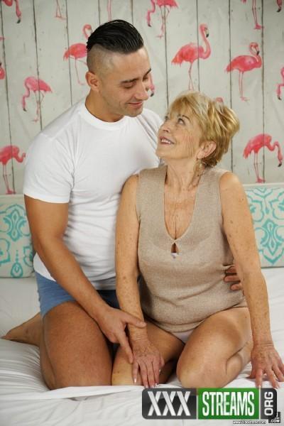 Malya, Mugur - Cum On Granny (2018/LustyGrandmas.com/21Sextreme.com/SD)