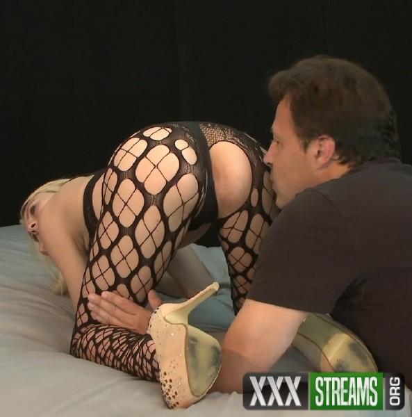 Zoe Clark - Zoe Clark Fucks Live (2017/ErotiqueTVLive.com/HD)