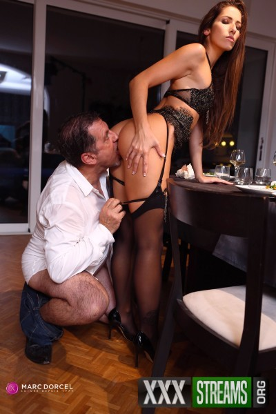 Clea Gaultier - A submissive for dinner (2018/DorcelClub.com/FullHD)