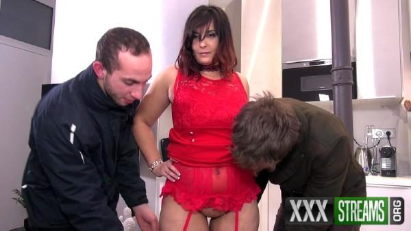 Isabelle - Isabelle se tape deux mecs et punit son mari (2018/JacquieEtMichelTV.net/HD)