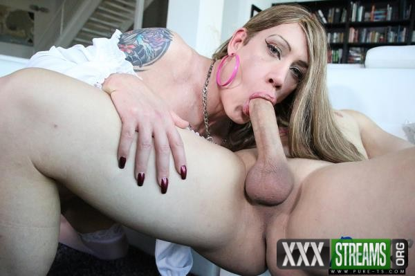Kimber Haven - Is A Slutty Babe That Craves Cock (2018/PureTs.com/HD)