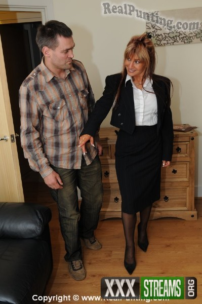 Amateurs - Escort Bo Tingley of Stansted, Part 1 (2017/RealPunting.com/HD)