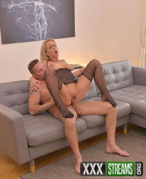 Licky Lex - Cum All Over Sexy Feet (HotLegsAndFeet.com/DDFNetwork.com/2018/HD)
