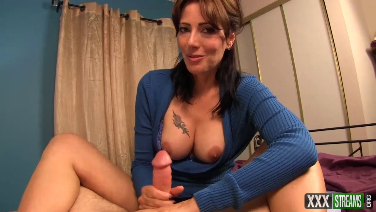 Zoey Holloway – Mom nurses my cock back to health